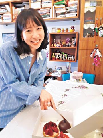 來自爾灣的紐約時報駐外華裔女記者Vivian Yee。余凡教授提供