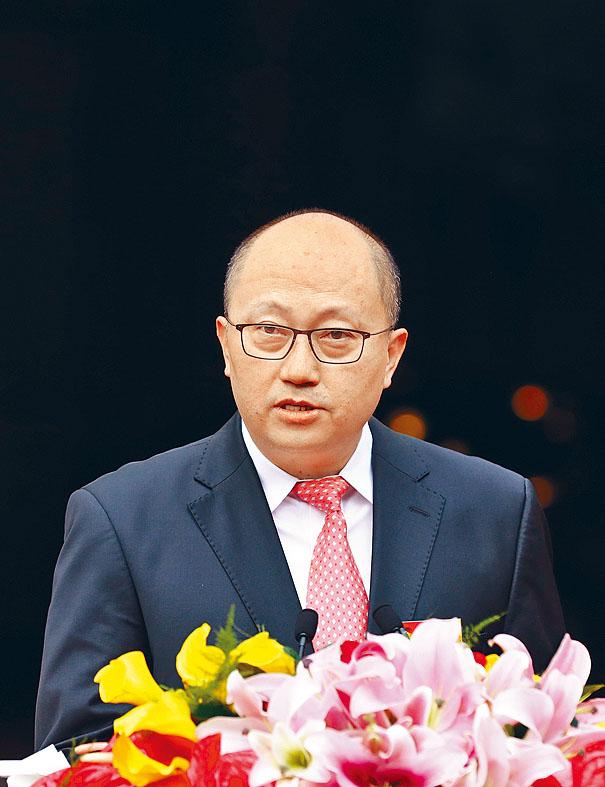 中央駐港國安公署署長 鄭雁雄