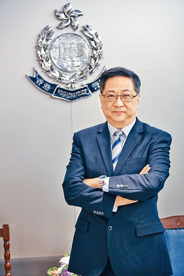 香港前警務處長 盧偉聰