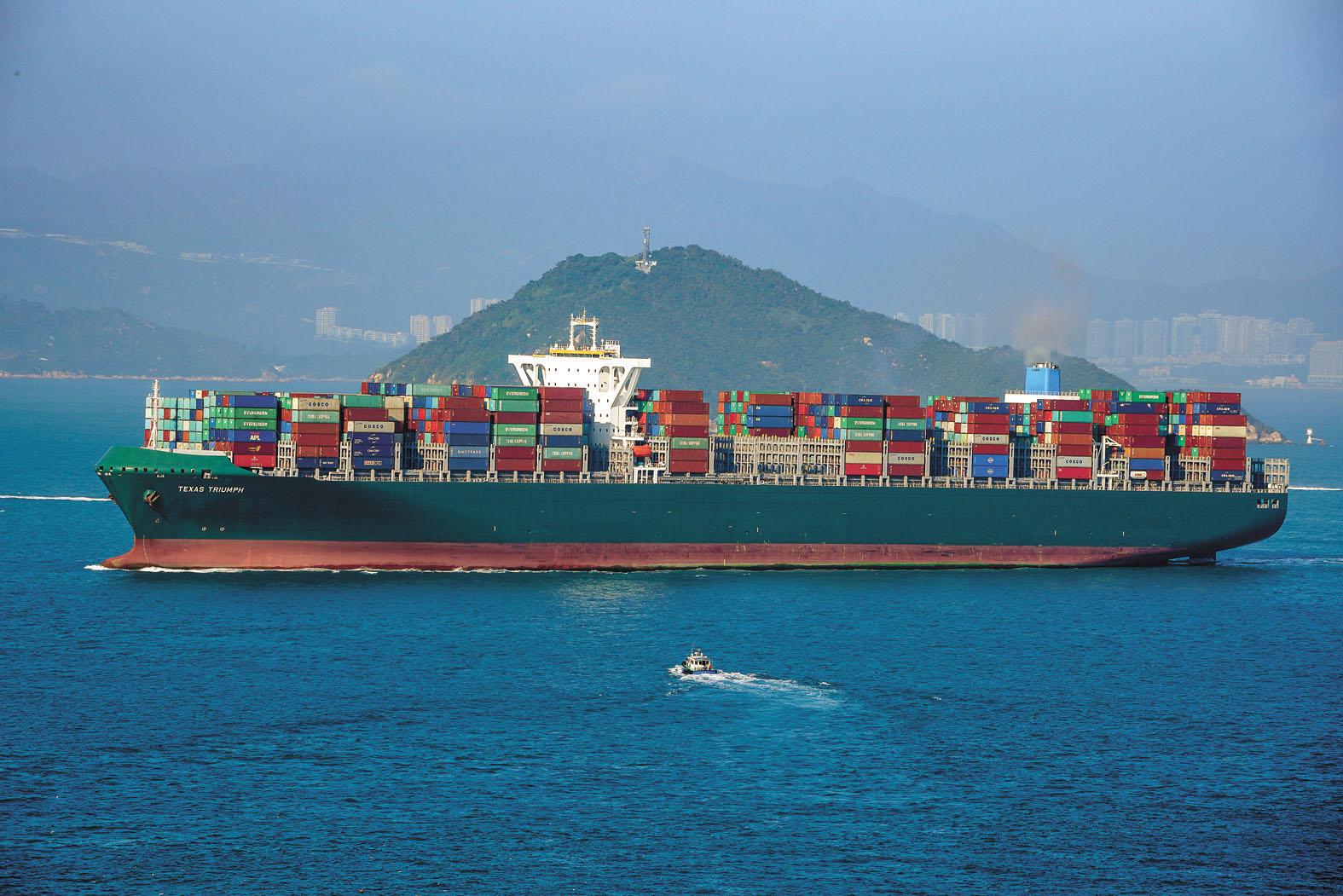 貨輪駛離香港水域。 中通社資料圖片
