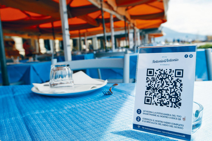 全球不少國家的食肆,均利用QR code提供防疫及餐單等資料。