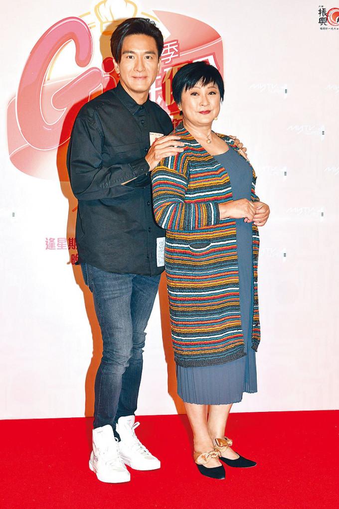 黃淑儀曾在《On Call 36小時》中飾演馬明的媽媽。