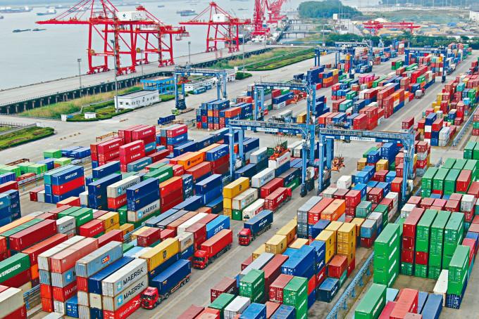 內地出口上升,主要受惠於中國統籌疫情防控,及經濟社會發展取得的成果。