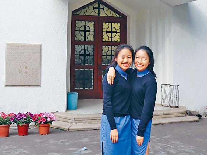 來自協恩的孖生姊妹李鎧彤及李鎧而,考獲佳績而雙雙獲中文大學取錄,但鎧彤決定選擇赴英修讀國際關係。