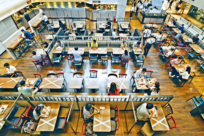 餐飲業界正構思一套系統,以配合政府推出的全民檢測計畫。