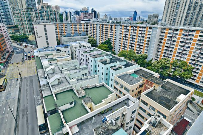 九龍城區重建公務員合作社中,盛德街/馬頭涌道項目較細及已獲逾九成業主願接納現有方案料成功收購機會大。