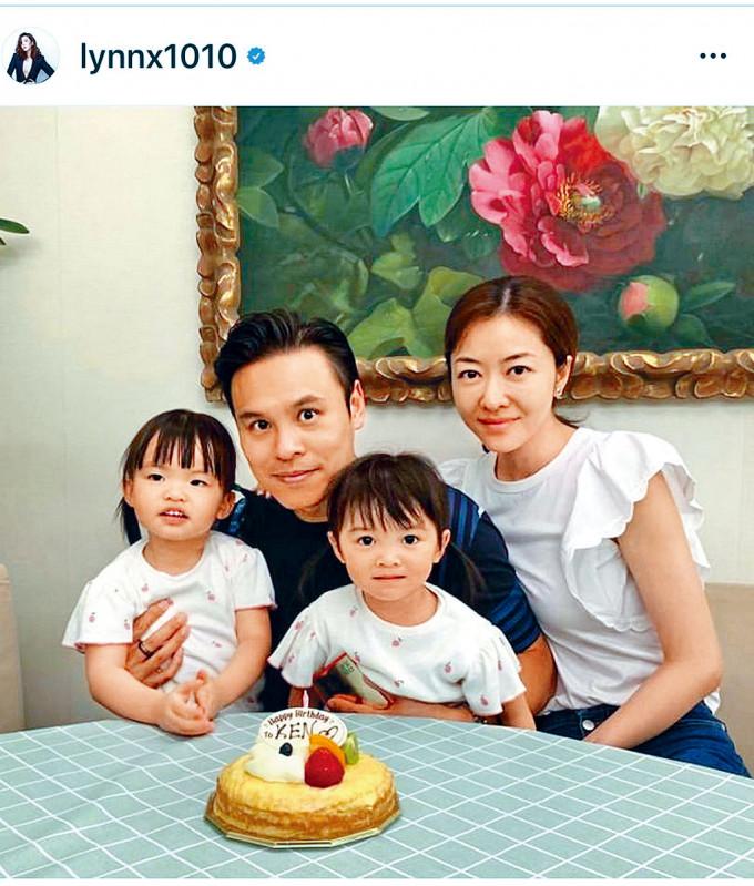 熊黛林偕孖女為老公慶生。