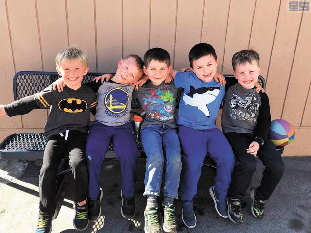 聖卡洛斯校區為小學家長提供全日託兒收費服務。聖卡洛斯校區