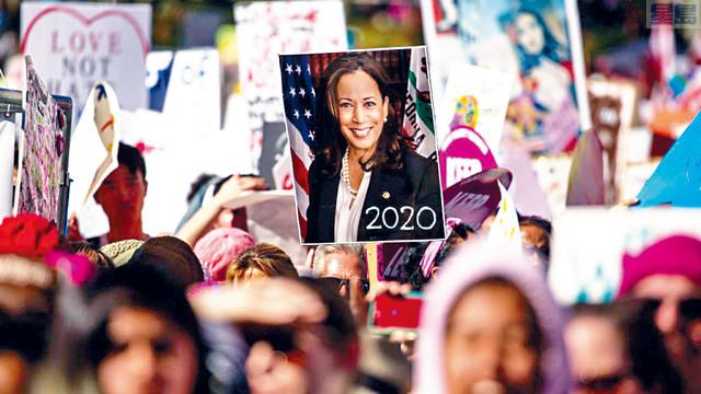 ■賀錦麗具非裔和印度裔血統,她成為美國總統大選史上,首位登上主要政黨候選人名單的少數族裔女性。    賀錦麗選舉網頁圖片