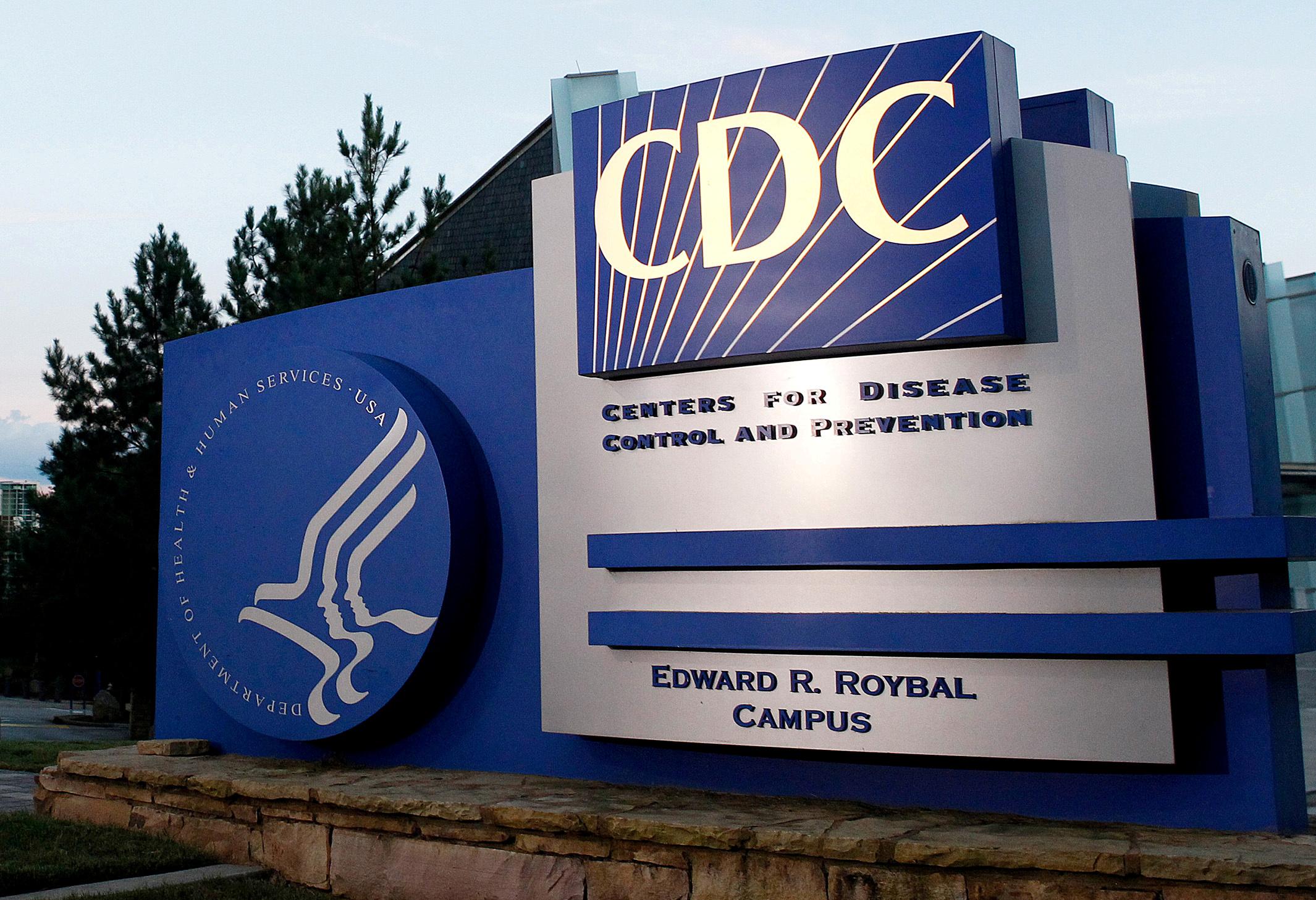 CDC突然改口風,全數刪除有關透過空氣傳播的防疫更新指引,令外界對新冠病毒的傳播途徑感到更混亂。    路透社