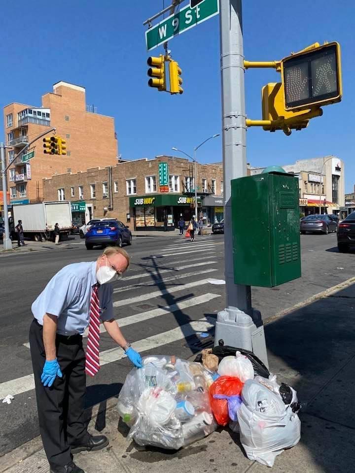 ■寇頓再勸民勿濫用街邊垃圾桶。