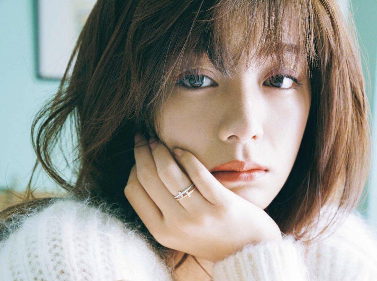 日本上位女星池田依來沙,昨日被指有性愛片段流出,引來網民嘩然。