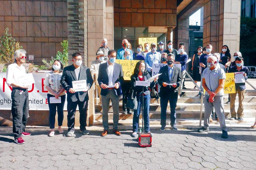 30多代表不同機構人士在拘留中心門外齊集,無懼市府上訴,社區堅持反監獄到時。