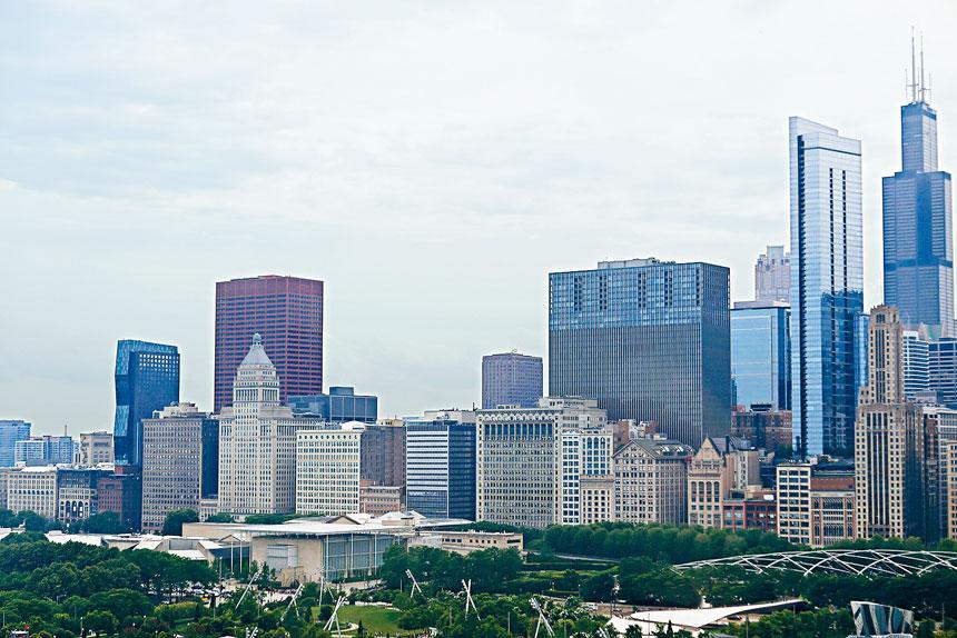 芝加哥向來被外界垢語為雙城記,市中心與北郊盡是豪華高樓大廈,而南區則槍擊犯罪案件頻發。梁敏育攝