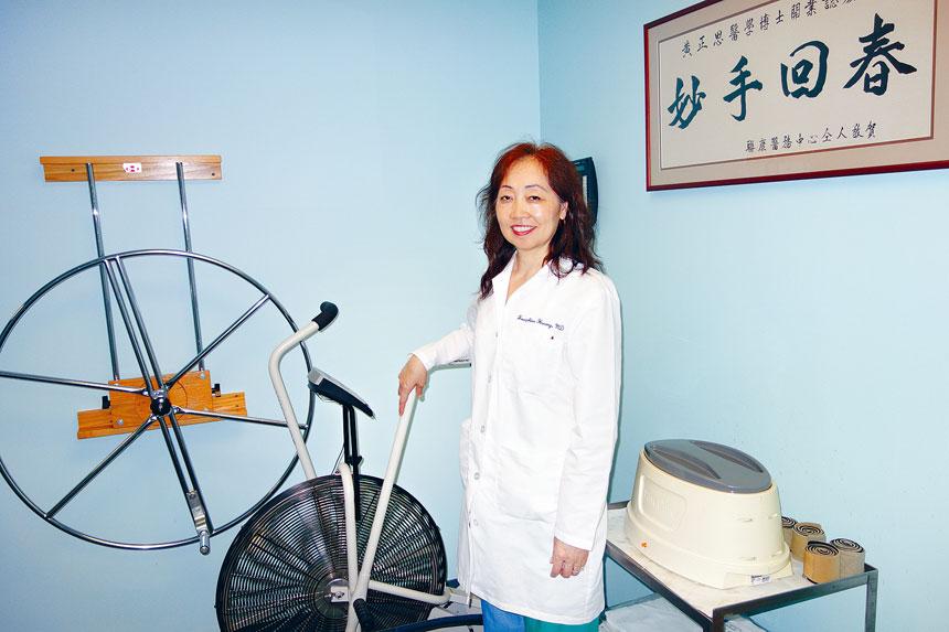 痛症專家黃正思醫學博士在華埠拉菲逸街開設的診所已全面重開,採取最高規格的防疫指施,全方位確保每位病患與醫護人員的安全。