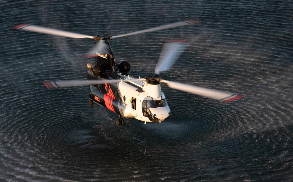 可容納三千加侖水量的消防直升機即將到位,協助南加州撲滅山火。橙縣消防局