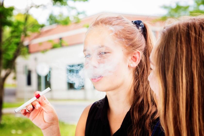 凱撒醫療中心小兒科專家提醒家長注重青少年戒菸重要性。洛杉磯時報