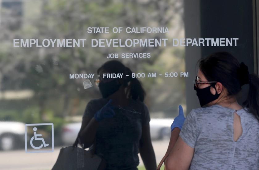 洛杉磯縣以及加州整體失業率仍然遠高於疫情前的水平。洛杉磯時報