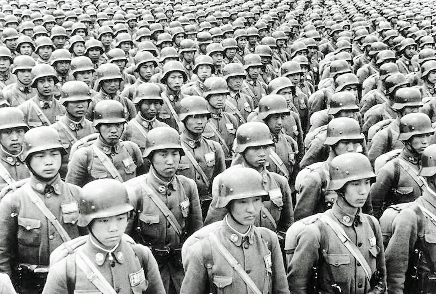 蔣介石在淞滬會戰時投入裝備良好的中央軍德械師,後來幾乎全軍覆沒。網絡圖片
