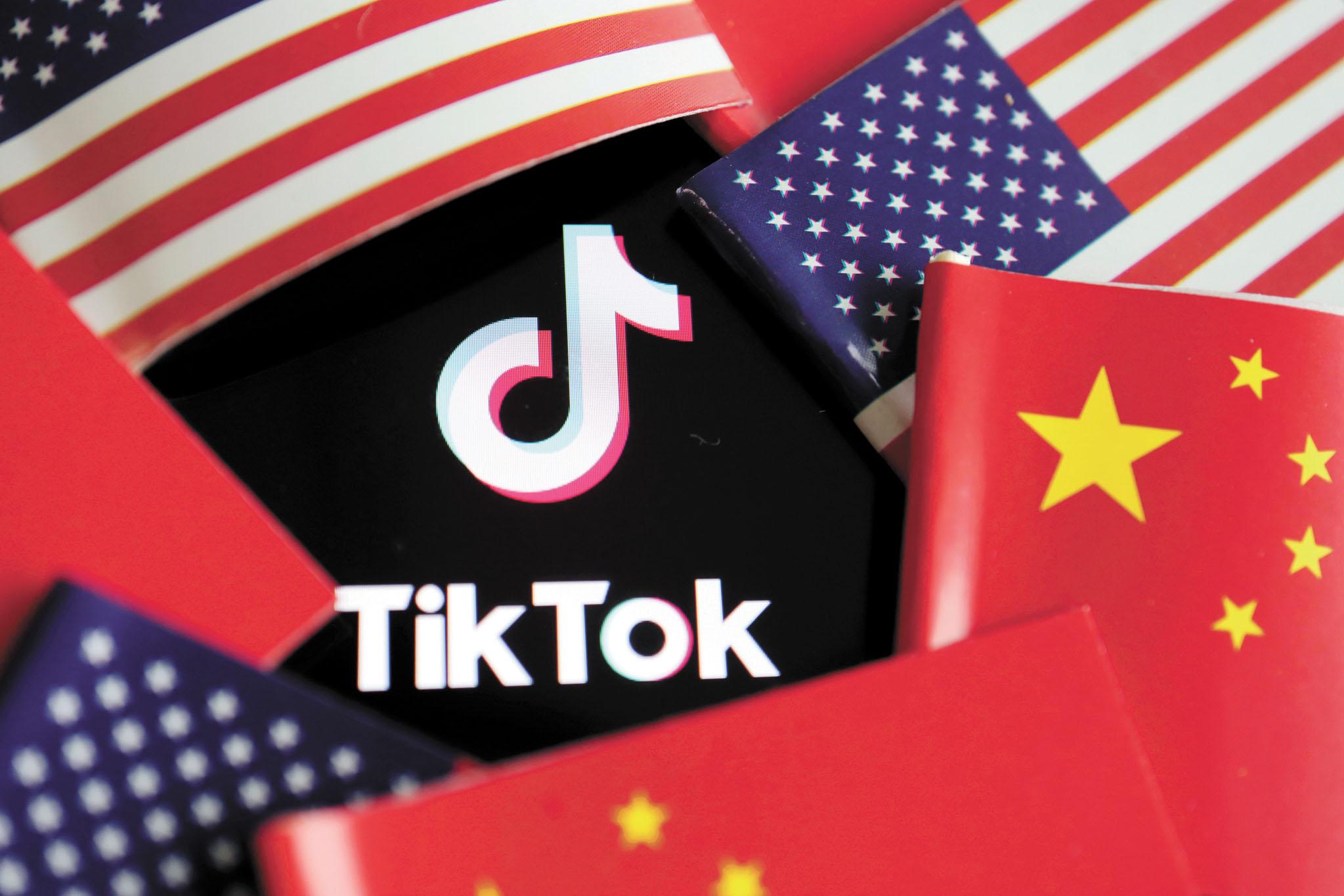 美國商務部宣布,20日起禁止在美國下載TikTok和WeChat兩款手機應用程式。路透社