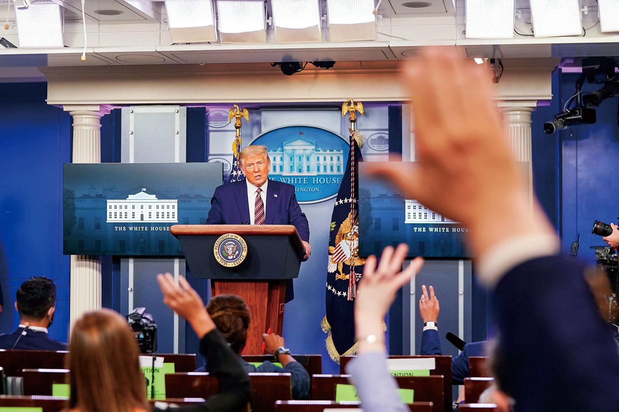 由於美國總統大選首場辯論即將舉行,特朗普的納稅情況備受關注,他27日反駁時堅稱自己有納稅,報道純粹是假新聞,但未有透露更多細節。路透社