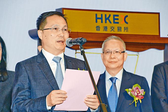 奧園健康主席郭梓寧(左)。