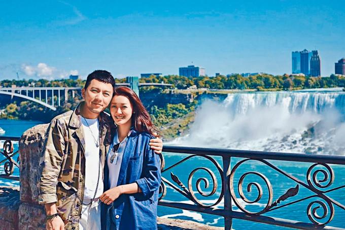 袁偉豪去年在加拿大成功求婚。