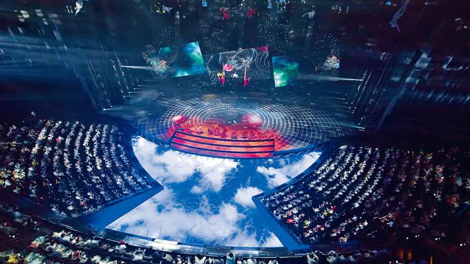 武漢的漢秀劇場觀眾席會在演出時移動。