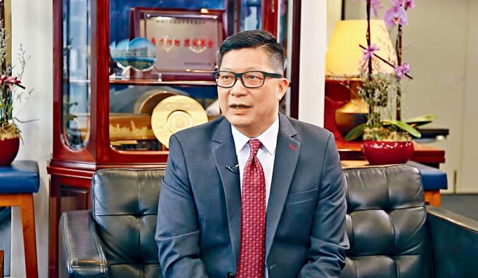鄧炳強強調,警方尊重新聞自由,先決條件是不能影響警方執法。