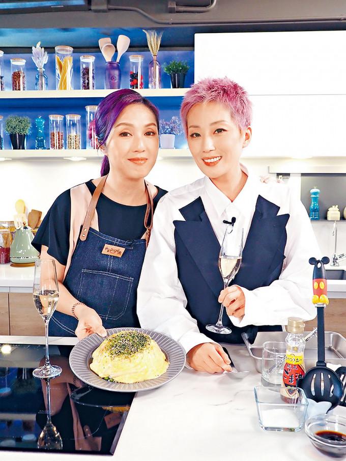 千嬅變身YouTuber,分享烹飪樂趣。