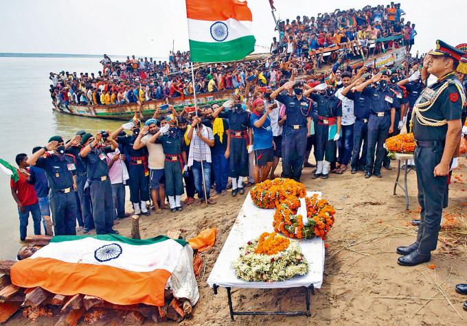 中印六月邊境衝突,印度有二十名官兵喪生。