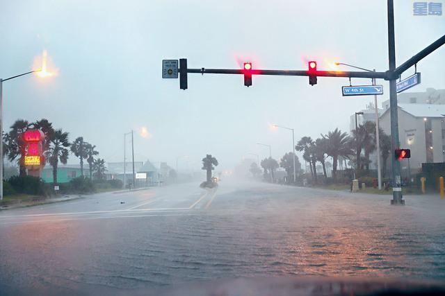 ■國家颶風中心預計,「莎莉」會登陸墨西哥灣沿岸北部,由於移動緩慢,登陸前後會在該區引發嚴重水浸。法新社