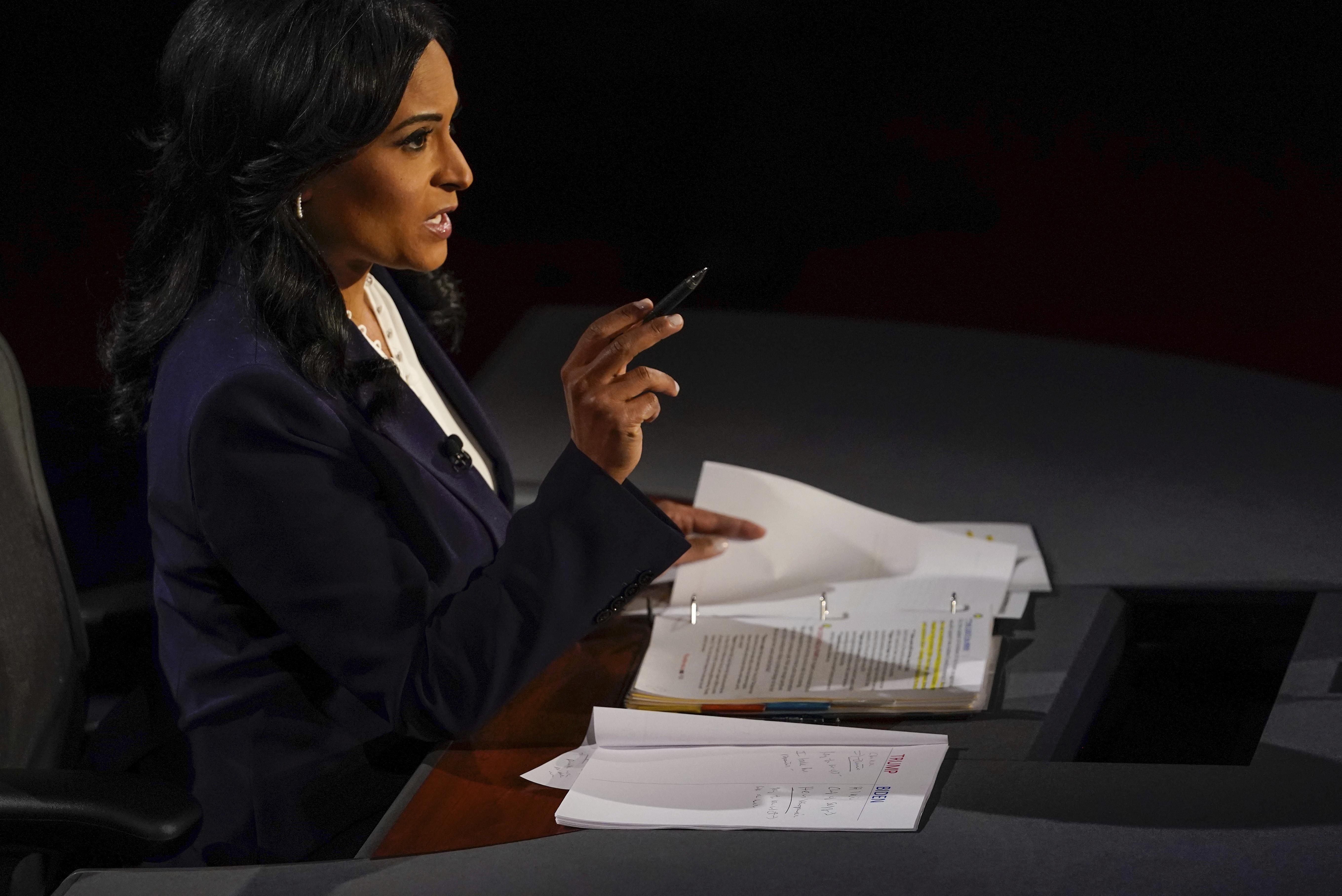 是次辯論為免出現上一次辯論的插嘴情況,主辦單位有新增機制,由專人負責靜音按鈕。圖為最後一場電視辯論的主持人、NBC新聞的韋爾克。    美聯社