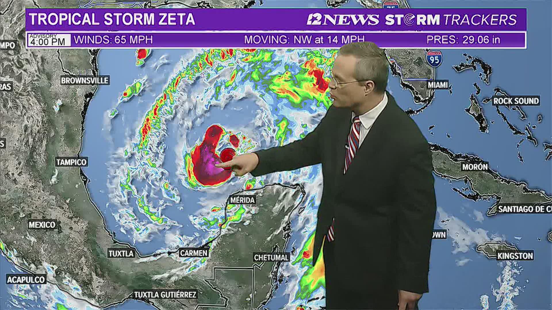 國家颶風中心警告,熱帶風暴澤塔將會給墨西哥灣北部沿岸帶來颶風和風暴潮。    電視屏幕截圖