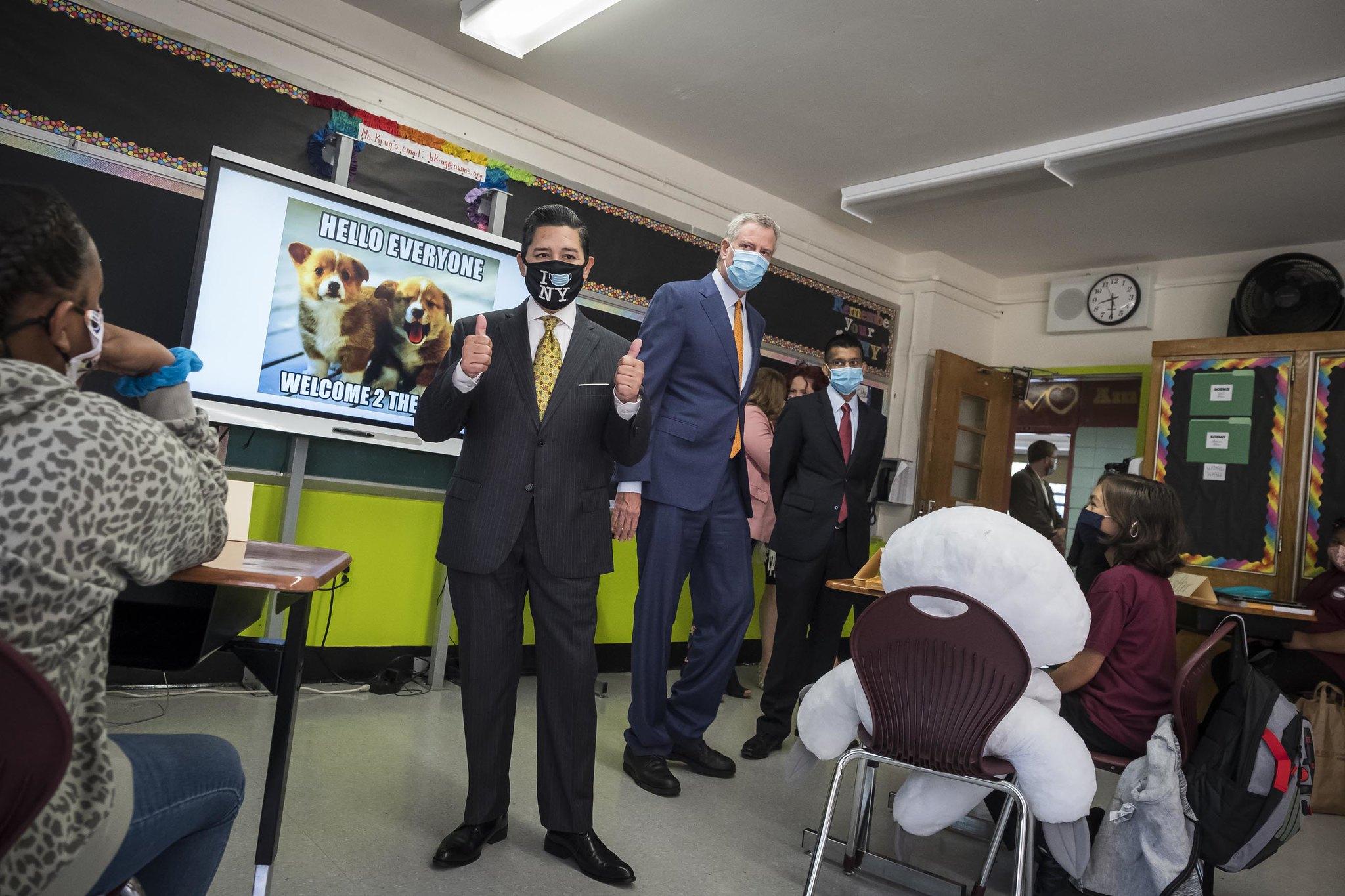 卡蘭薩呼籲家長要在新冠疫情期間保持 耐性。 市長辦公室Flickr圖片