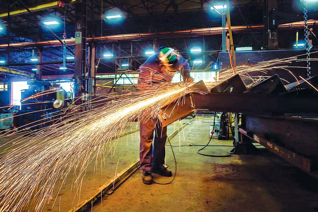 最新統計資料顯示,全國8月製造業銷售額下跌2%,運輸器材跌幅最大。加通社資料圖片