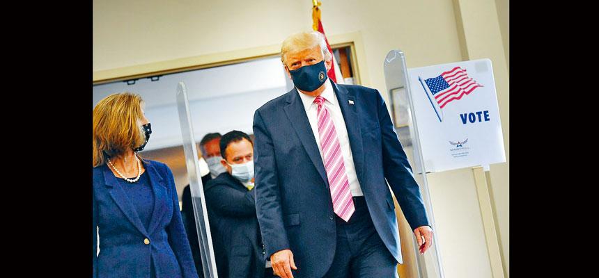 爭取連任的總統特朗普,24日早上在佛州提前投票,並批評選民如果以郵遞方式投票,「不會獲得如此安全保障」。法新社