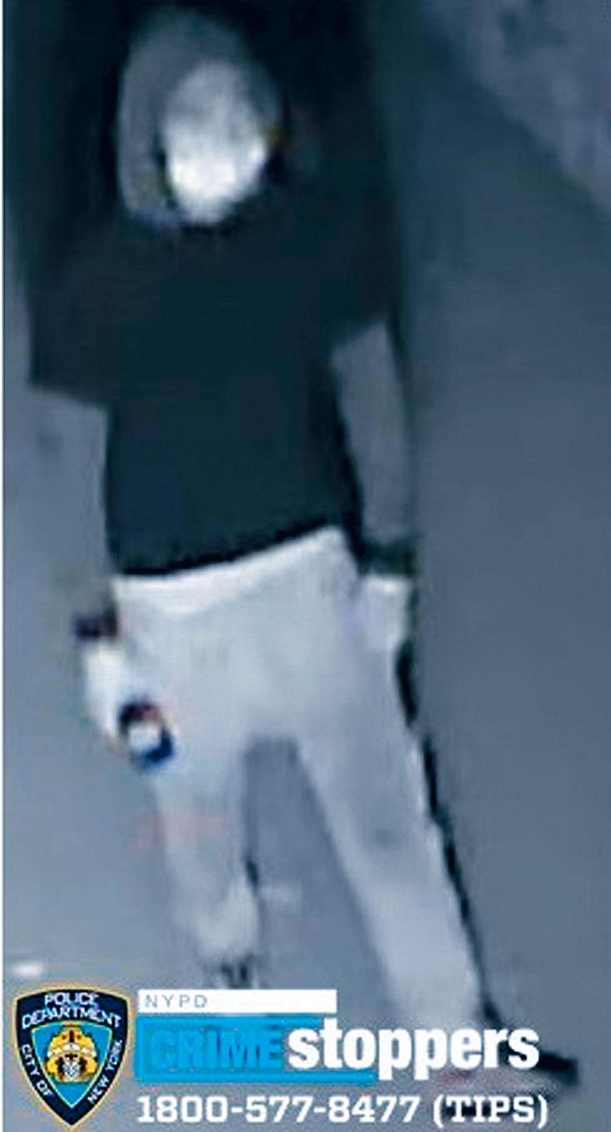 涉嫌與皇后村6宗華人外賣郎被搶劫有關連的不知身分男子。市警發片通緝