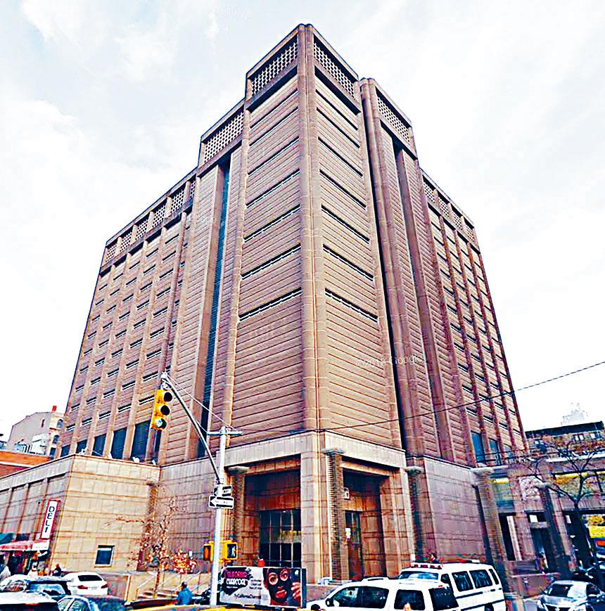 紐約市公布了三家入圍設計-建造華埠監獄招標的公司名單,圖為位於白街125號的華埠監獄。資料圖片