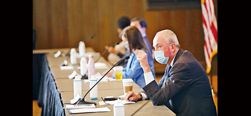 墨菲表示,往返紐約及新州的居民應不會隔離。州長辦公室Flickr圖