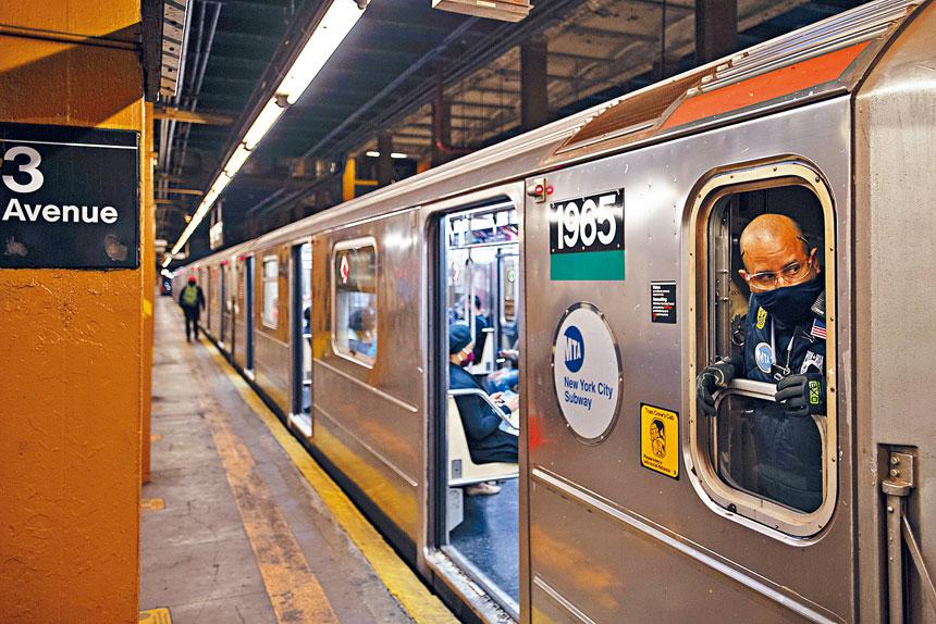 疫情令MTA乘客量大跌,導致收入銳減。 Gregg Vigliotti/紐約時報
