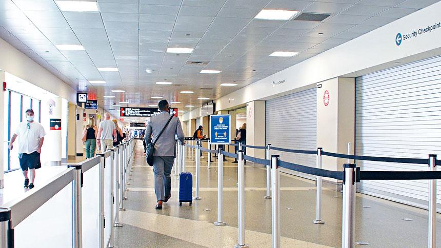 洛根機場疫情期間乘客流量大減。來自推特