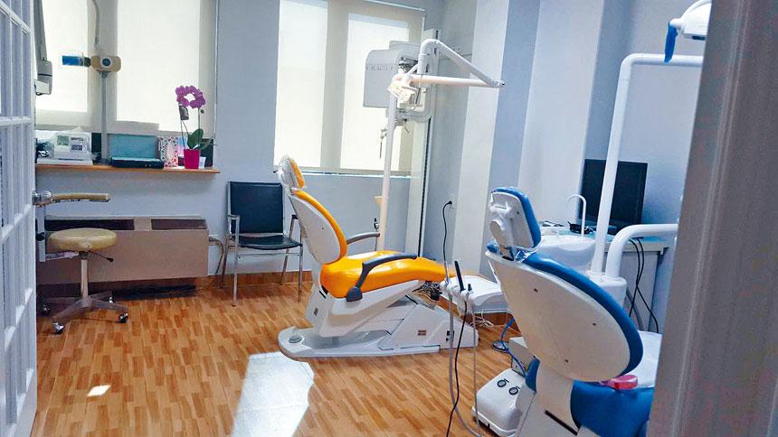 在華埠和法拉盛都設有診所的寳華牙科中心採高規格防疫措施,保護來診者及醫護人員的健康及安全,大家可安心預約看診。