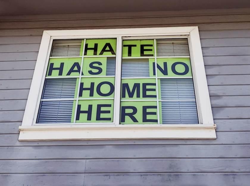橙縣仇恨犯罪率連續五年爬升 較去年增加百分之24。論壇報
