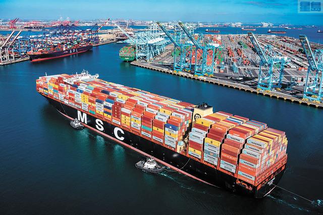 洛杉磯港9月貨運量比去年同期增加百分之13.3。洛杉磯港臉書