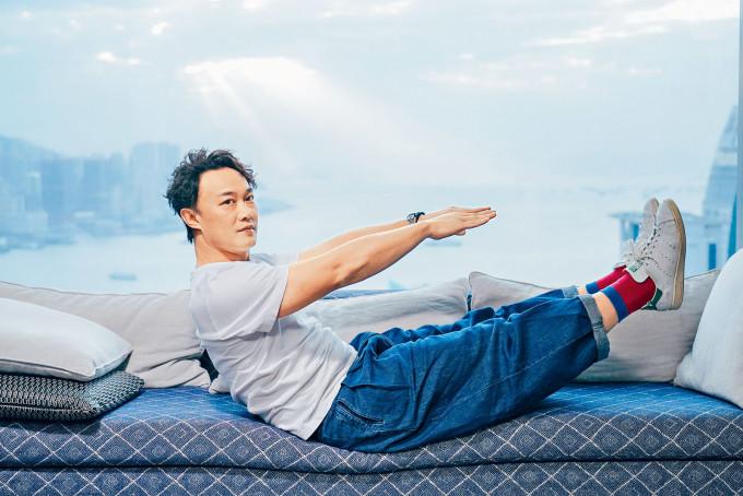 陳奕迅靠做運動成功減走肚腩。