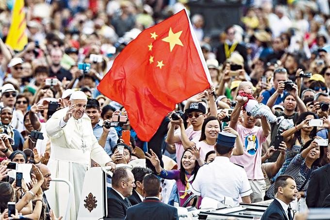 教宗方濟各曾多次會見中國信眾。