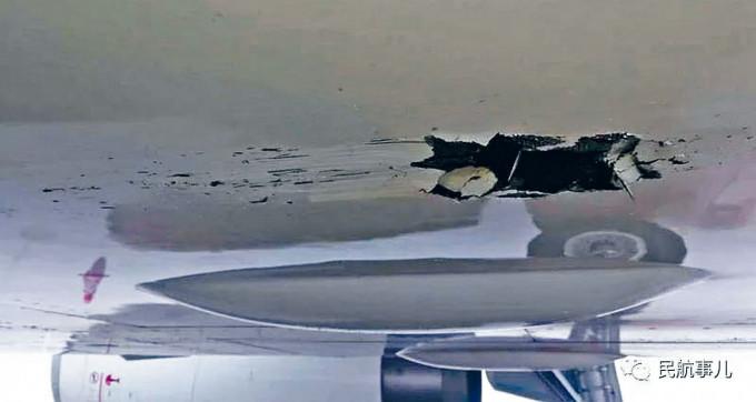 肇事深航客機機腹下出現長裂痕。