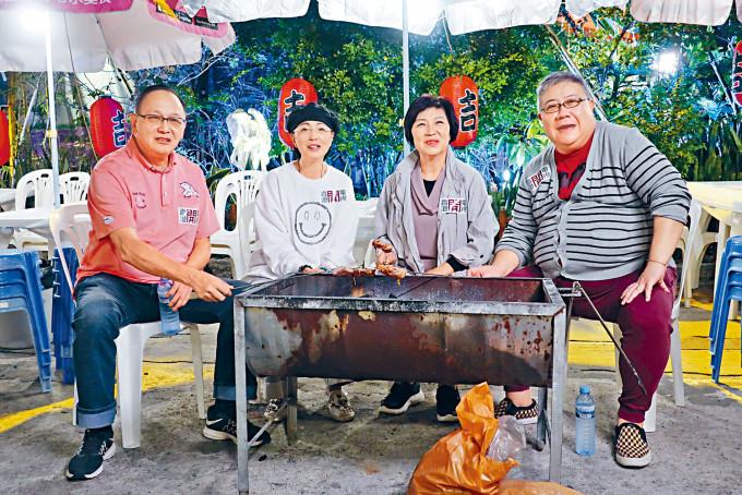 曹查理、苑瓊丹、吳浣儀及劉錫賢為開電視拍攝《開工大吉77》。