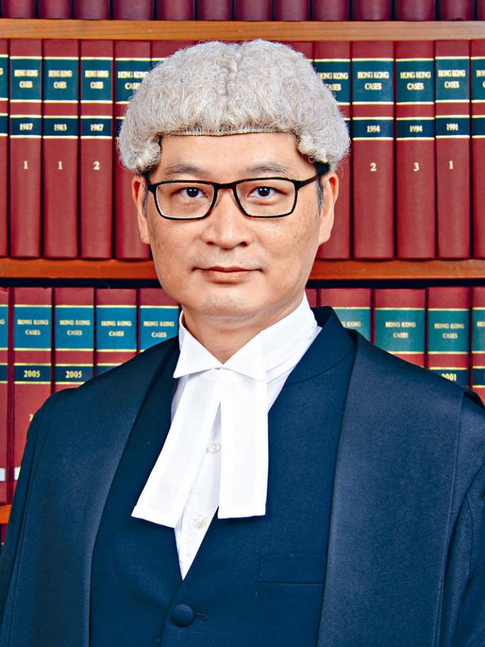 首席法官潘兆初